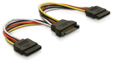 Delock SATA kábel elosztó apa - 2x anya (60105)